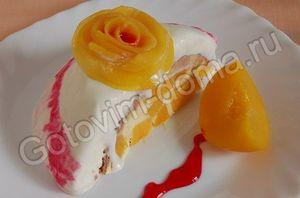 Торт-мороженое с консервированными персиками
