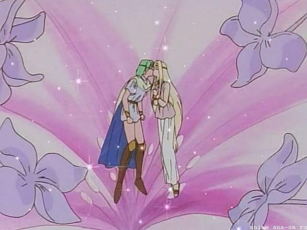 "Поцелуи в ""Свадебном персике"""